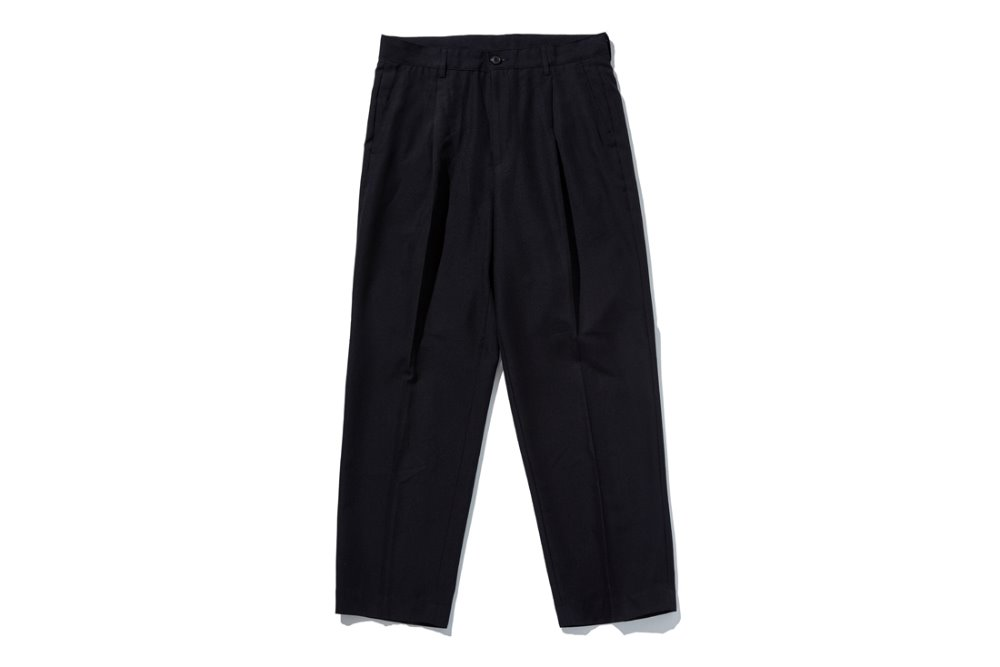 One Tuck Easy Slacks (Black)